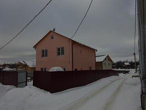 2-этажный дом 200 кв.м, на участке 4 сот. в п. Икша, ул. Базаровка, 6900000 руб.