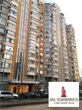 Сдается 1-но (однокомнатная) на ул. Раменки, д.31 у м. Раменки Москва .