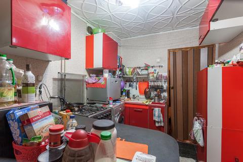 Продам 3-х комн кв 64 м2 кухня 9 м2, лоджия