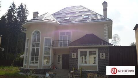 Продаётся дом 345 м 2 на участке 15 соток в Новой Москве .