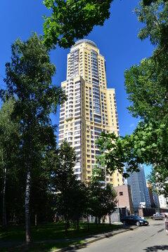 "2-комнатная квартира, 79 кв.м., в ЖК ""Корона Севера"""