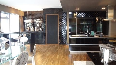 Продается элитная трехкомнатная квартира 222 кв м на 41 этаже ЖК .