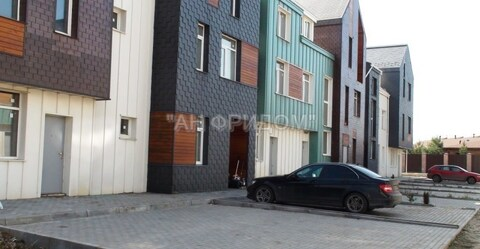 "Таунхаус 180 кв.м, на участке 1,1 сот. кп. ""Бремен"""