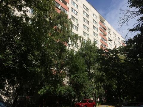 Квартира с хорошим ремонтом, изолированными комнатами и большой кухней