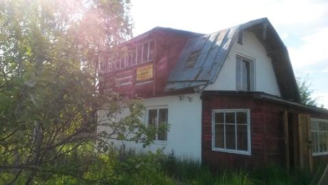Кирпичная двух этажная дача рядом с озером 50 км от Москвы.