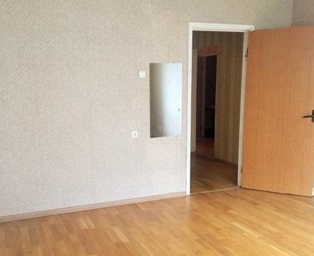 Продается большая трехкомнатная квартира