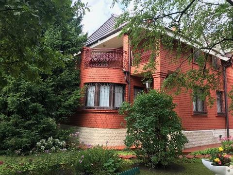 Подается дом с большим участком, 50000000 руб.