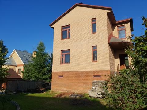 Дом 178 кв. м. на участке 10.5 соток в черте города мкр. Гостица