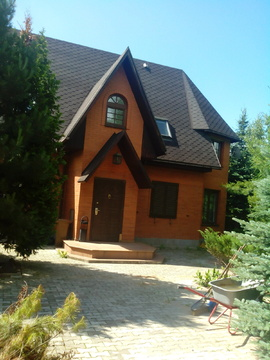 Продается большой, 2-х этажный кирпичный дом, 18500000 руб.
