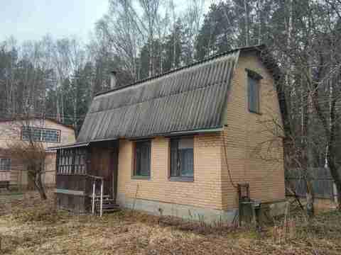 Кирпичный 2 эт. дом с отоплением на участке 5 сот. в черте Климовска