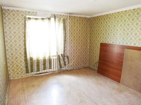 1-комнатная квартира 37м2. Этаж: 1/5 кирпичного дома. Центр города.