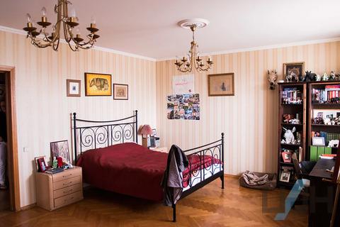 Продам 4-к квартиру, Москва г, проспект 60-летия Октября 19