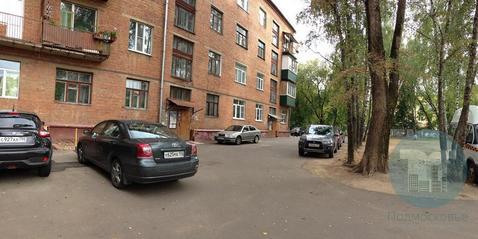 Продается просторная трехкомнатная квартира в кирпичном доме.