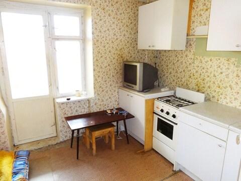 Однокомнатная квартира 37м2. Этаж: 1/5 кирпичного дома. Центр города.