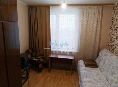Александр. Комната в трехкомнатной квартире в хорошем состоянии. Втор