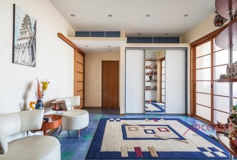 Продаю видовую четырехкомнатную квартиру на Мичуринском проспекте.