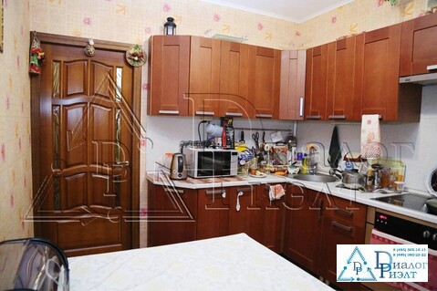 Продается большая двухкомнатная квартира в городе Люберцы