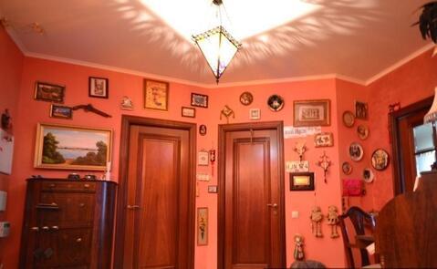 Продаётся 3-х комнатная квартира в монолитно доме 2002 года.