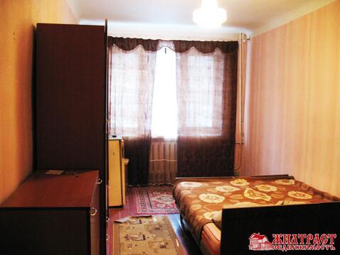 Продается двухкомнатная квартира на улице Чкалова в городе Павловский .