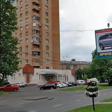 Продается трехкомнатная квартира в монолитно-кирпичном доме индивидуал