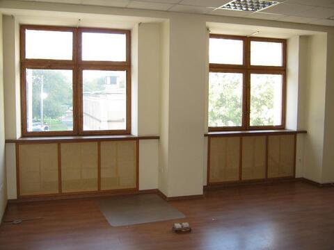 Предлагаем помещения под тихие офисы площадью: 19, 40 м. кв. на 3-м и