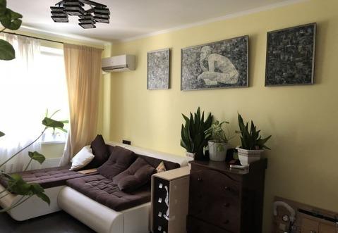 Продаётся 2-х комнатная квартира в ЗАО Москвы вместе с гаражом.