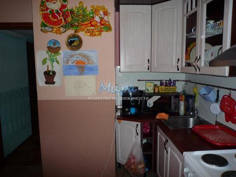 Продается комната в 3-х комнатной квартире. Сталинский дом, с высоким
