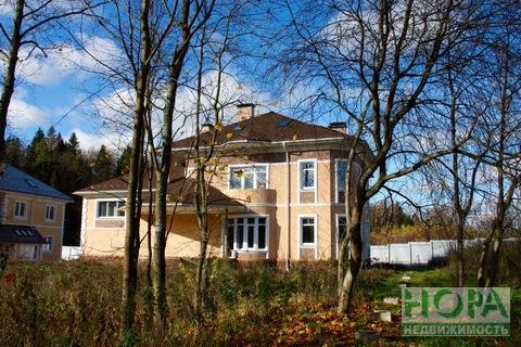 Дом с участком в к/п Истринские усадьбы