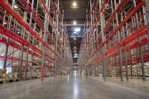Новый складской комплекс 8640 кв.м, уст. новые стеллажи