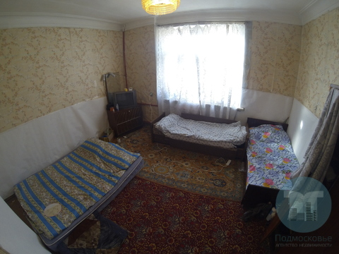 Продается комната в 3-х комнатной квартире.