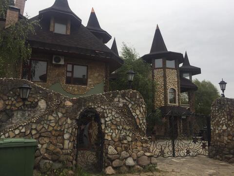 Продается роскошный особняк-замок С вертолетной площадкой.