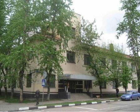 Здание с территорией под медцентр, 219500000 руб.