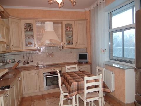 Уютная 3-х комнатная квартира с хорошим ремонтом рядом с м Бибирево