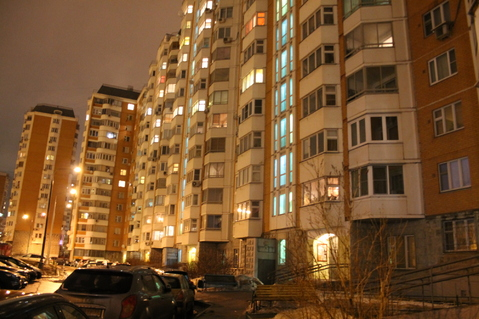 2-комнатная квартира, 52 кв.м., в ЖК на улице 3-я Парковая