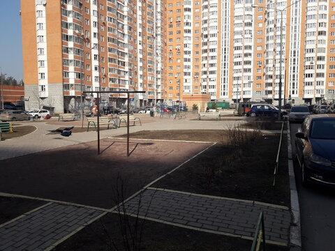 """1-комнатная квартира, 37 кв.м., в ЖК """"Янтарный"""""""