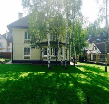 Продаю кирпичный коттедж 400 кв.м. Троицк., 28000000 руб.