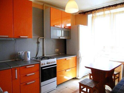 Сдаем трехкомнатную квартиру с хорошим ремонтом и мебелью. Длительно