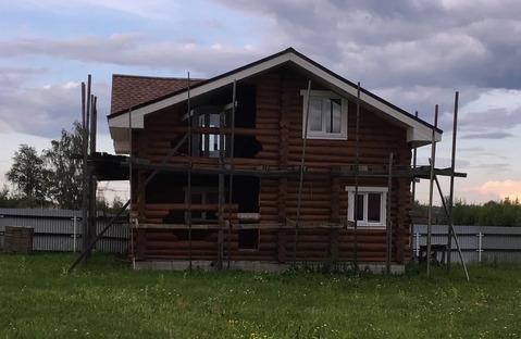 Продается бревенчатый дом в деревне.