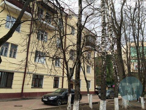 Продается трехкомнатная квартира в Южном мкр.