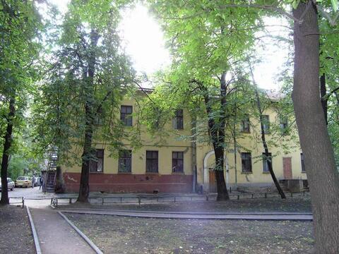 Отдельно стоящее здание у метро шоссе Энтузиастов