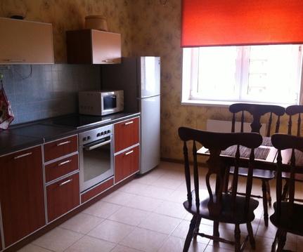 Продается двухкомнатная квартира в Нахабино, улица Чкалова, дом 7