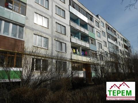 Продается 2-х комнатная квартира пгт Пролетарский, ул. Центральная.