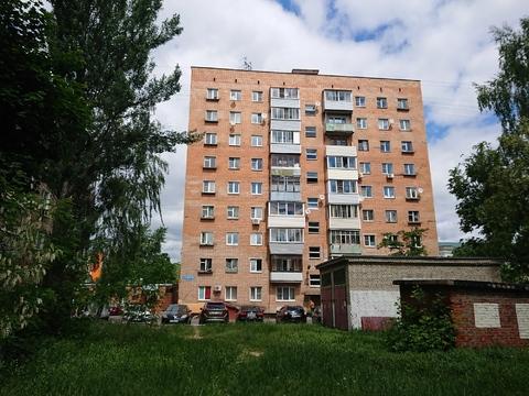 Продам типовую 1-к квартиру в кирпичном доме в Ступино, Андропова 35.