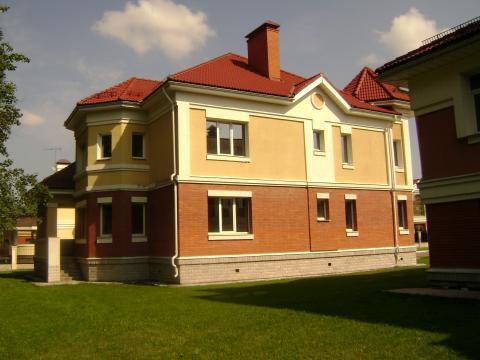 Дом в закрытом коттеджном поселке