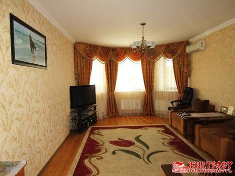 В продаже 1 комнатная квартира в новом доме в центре Павловского .