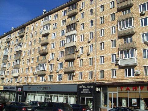 Продаю просторную, светлую комнату (18,3 кв.м)в Москве, Ленинский пр.85