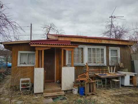 Дача на участке 6 соток в черте Подольска, Шепчинки, ул. Загородная