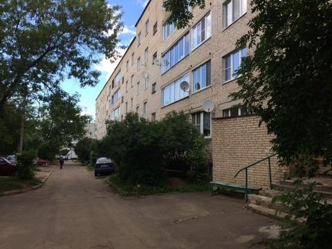 1ка в пгт Михнево (ул.Библиотечная) 4/5 кирпичного дома.