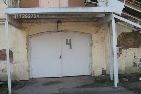 Огороженная и охраняемая территория, пропускная система, 1-й этаж 2-х