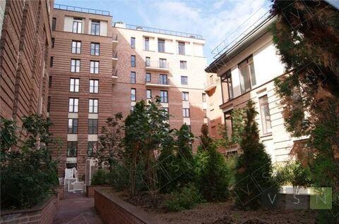 "4-комнатная квартира, 215 кв.м., в ЖК ""Трилогия"""